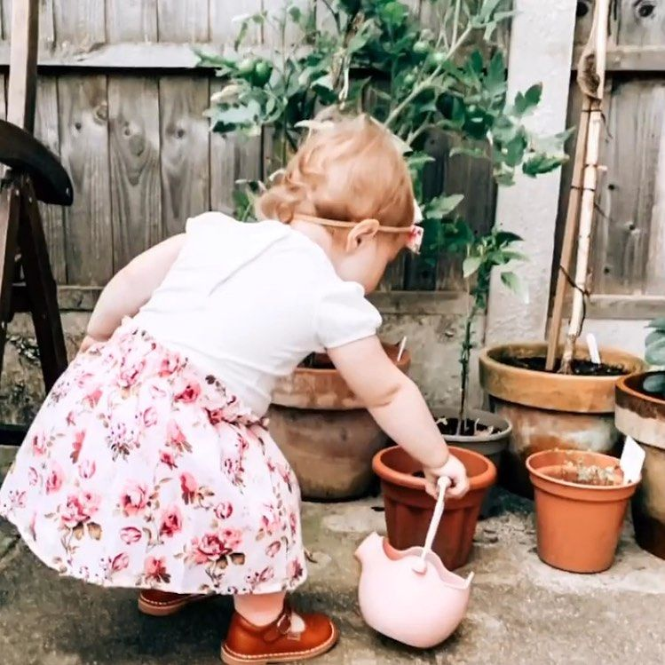 Scrunch Watering Can - Dusty Pink