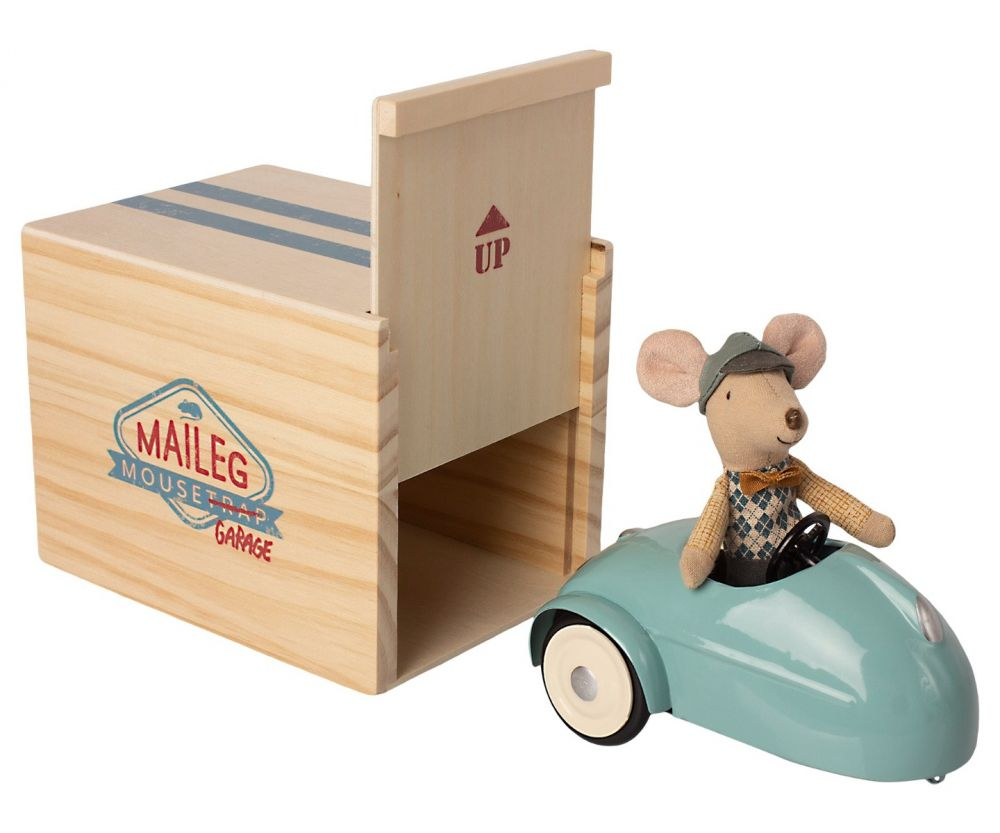 Maileg - Mouse Car With Wooden Garage